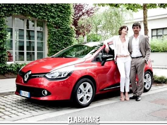 Luca Argentero e Alice Torriani con la nuova Renault Clio in The Waiting