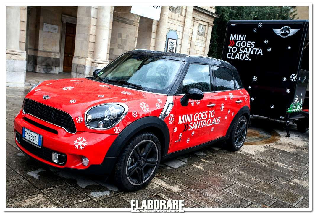 MINI goes to Santa Claus