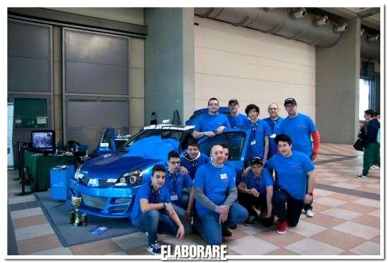 Gli allievi del CSF A.Provolo con la loro auto elaborata