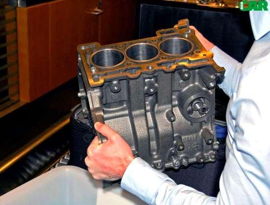Ford_Ecoboost_motore_3_cilindri_turbo_04
