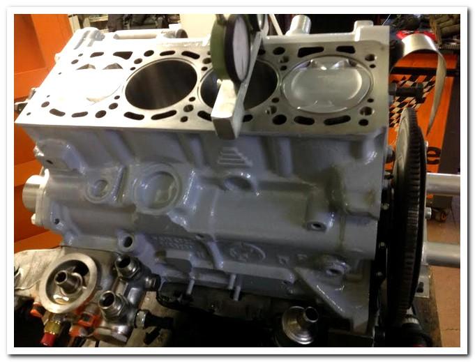 Lancia-Delta-Evoluzione-Replica-Fluido-Corse-motore