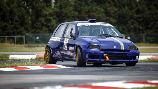 Renault Clio Williams by Arseni Aerospace