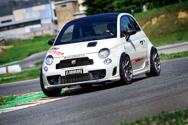 Abarth-500-test-in-pista-Isa