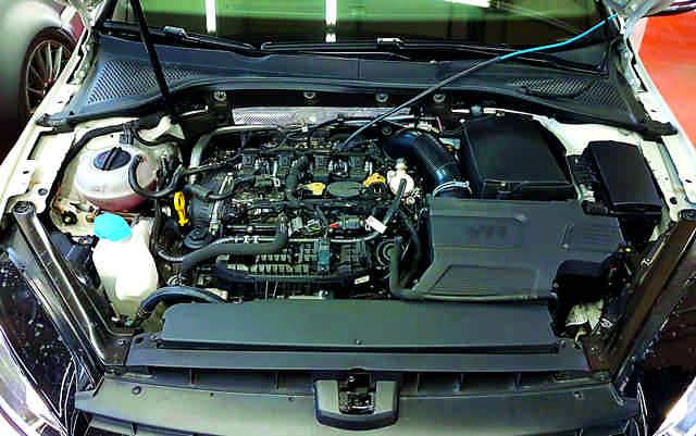 VW-Golf-R-400