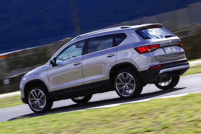 seat ateca 2 0 tdi test su strada elaborare. Black Bedroom Furniture Sets. Home Design Ideas