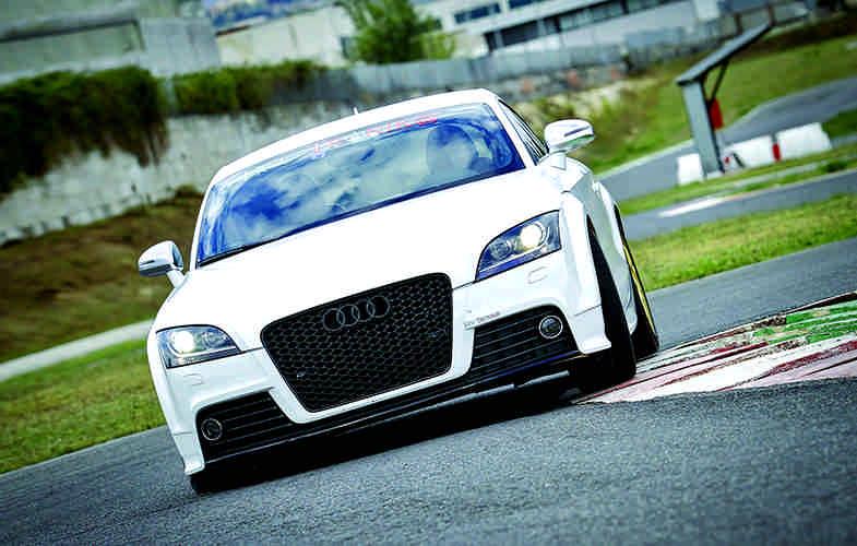 Audi-TT-TFSI-S-Troni