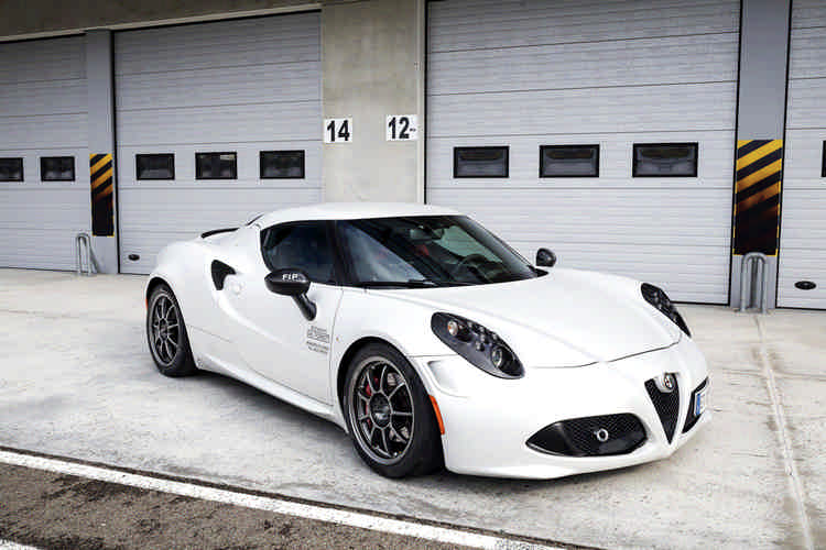 Alfa Romeo 4C by BS Racing