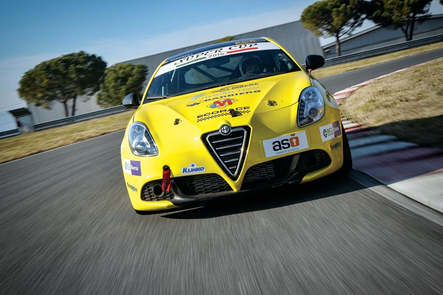 Alfa-Romeo-Giulie