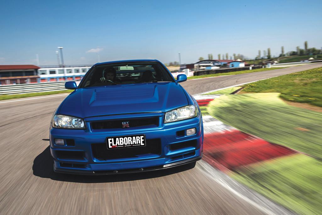 Nissan_Skyline-GT-R-R3