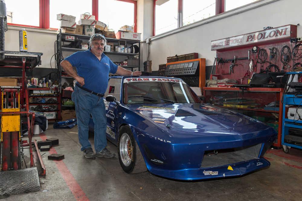 Paoloni e la sua auto