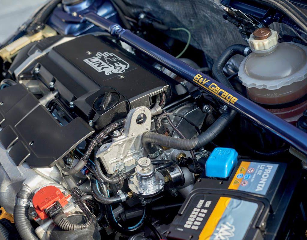 Renault Clio 1.8 16V Turbo - motore