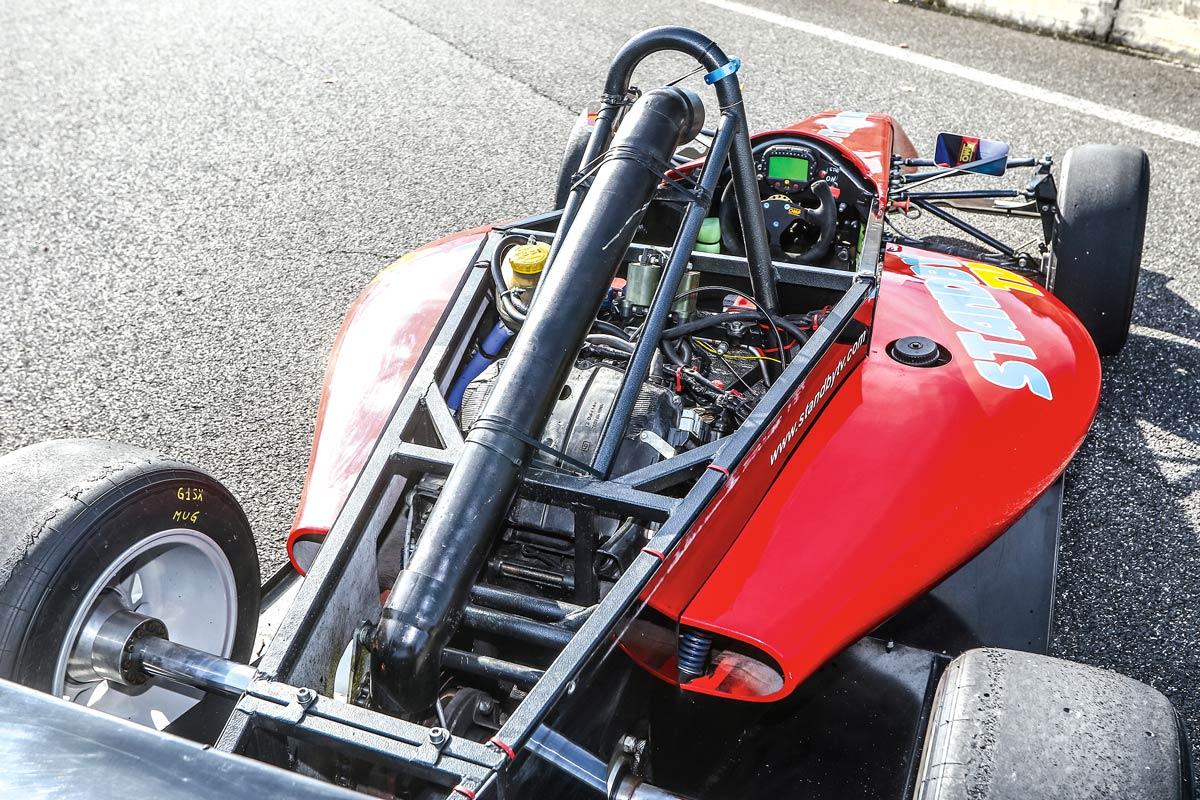 Formula_Predators dove si trova il motore di derivazione motociclistica